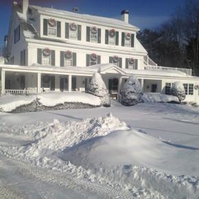 snowy_inn
